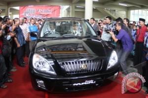 Luhut Tanggapi Sindiran Esemka Jadi Mobil Kepresidenan