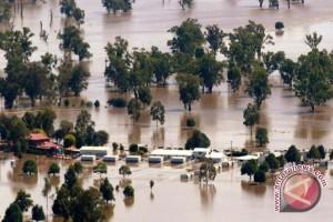 Banjir Putuskan Jalan Penghubung Desa di Aceh Barat