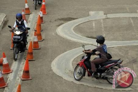 Lima Anak Tunarungu di Bangka Tengah Ikut Ujian Pengambilan SIM