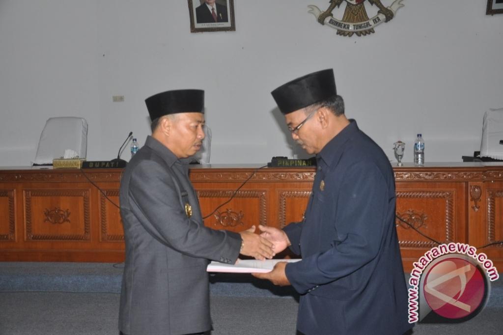 Bupati Bangka Sampaikan KUA-PPAS PAPBD 2013