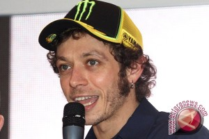 Valentino Rossi Kembali Berlatih Usai Patah Kaki