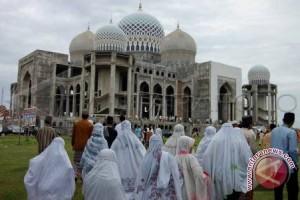 Masyarakat Padati Masjid Sambut Malam Nisfu Syakban
