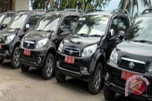 Risma Wajibkan Mobil Dinas Parkir di Balai Kota
