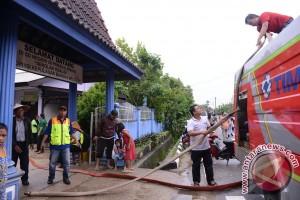 PT Timah Bantu Korban Banjir Bangka Barat