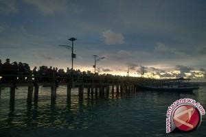 Pengamat GMT Bersorak Menikmati Gelap di Tanjung Kelayang