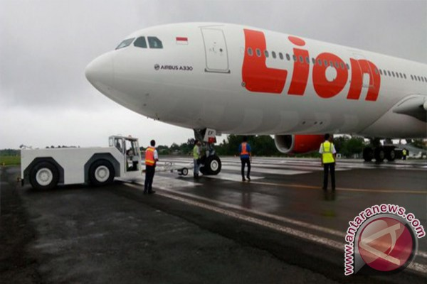 Lion Air losses contact with air control tower