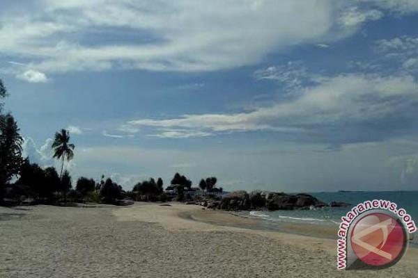 Objek Wisata Pantai Terentang di Bangka Tengah Dikawal Satpol PP