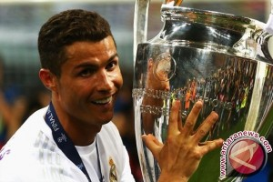 Ronaldo Pemain Terbaik UEFA Musim 2016/17