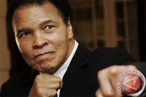 Anak Muhammad Ali Dicegat di Bandara Hanya Karena Agamanya