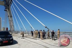 """Gubernur Babel Tinjau Pembangunan Jembatan """"Bascule"""""""