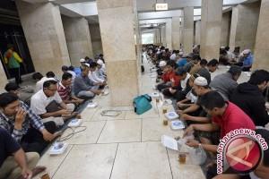 Warga Tunisia Tuntut Hak tak Puasa Selama Ramadhan