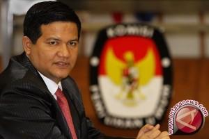 Husni Kamil Manik Meninggal