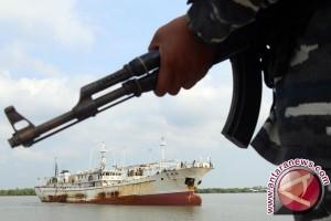 Polisi Amankan Kapal Pembawa Bahan Bom di Sambas