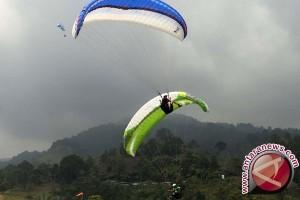 Indonesia Kejar Juara Kategori Beregu Paralayang di Albania