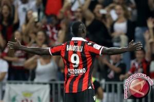 Balotelli Cetak Gol Kemenangan Nice Atas Lorient