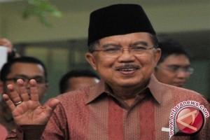 Tatkala Wapres Kalla Tenang di Tengah Kegaduhan Politik