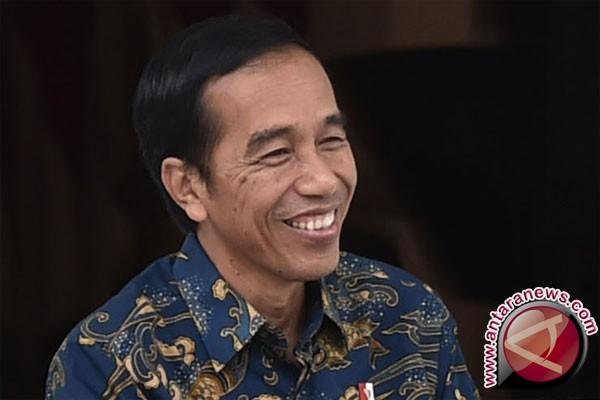 Presiden Bagikan Sembako di Gang-Gang Sempit Wonosobo