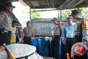 Polisi Bangka Barat Tangkap Penjual Arak