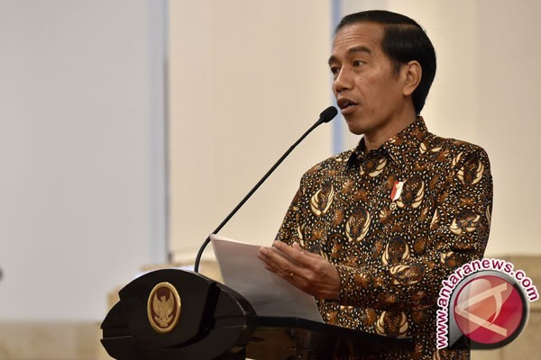 President Jokowi swear in new top officials