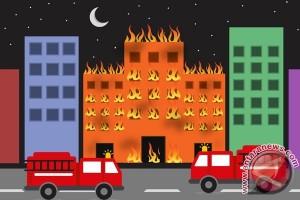 Kebakaran Pabrik Cat Bekasi Rugi Miliaran Rupiah