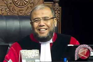 Hakim Konstitusi dan Suap Terkait Daging Sapi