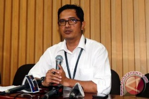 KPK Questions Three Witnesses in Miryam's E-ID Card Graft Case