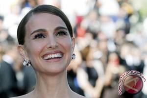 Natalie Portman Tidak Akan Hadiri Oscar