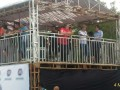 Walikota Pangkalpinang M Irwansyah (Tengah) dan Sekda Provinsi Kepulauan Babel, Yan Megawandi (kanan)ketika memantau uji coba lintasan oleh para  crosser MXGP 2017 di Sirkuit GOR Sahabuddin Pangkalpinang, Sabtu (4/3).  (Foto Antara/Try Mustika Hardi)