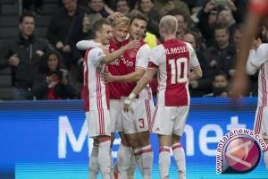 Dolberg Cetak Dua Gol, Ajax Kalahkan Twente 3-0