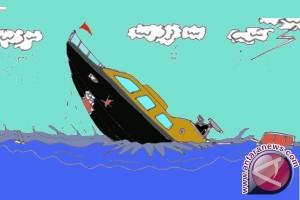 TNI AL Selamatkan 33 TKI Ilegal yang Hanyut Setelah Kapal Bocor
