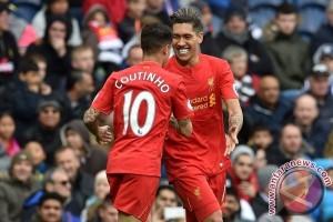 Firmino Antar Liverpool Kembali ke Posisi Tiga