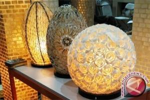 Lampu Kerang Cantik Karya Perajin Cirebon