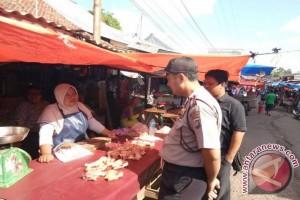 Polsek Toboali Pantau Harga dan Stok Sembako di Pasar Tradisional