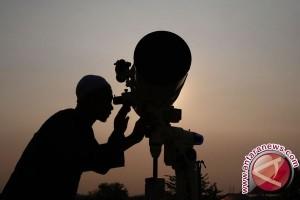 Warga Arab Saudi dan UEA Mulai Puasa Ramadhan Besok