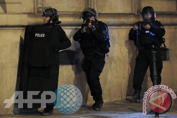 Polisi Tembak Laki-Laki Penyerang Polisi di Gereja Notre Dame