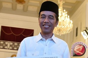 Kepentingan Publik di Tangan Jokowi