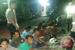 Polisi Tangkap Delapan Preman di Pelabuhan Tanjungkalian