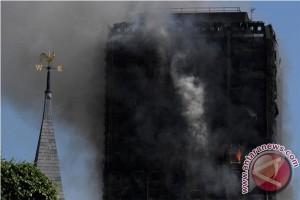 Korban Tewas Dalam Kebakaran di London Diperkirakan Mencapai 79 Orang