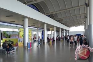 Penumpang di Bandara Depati Amir Pangkalpinang 7.422 Orang