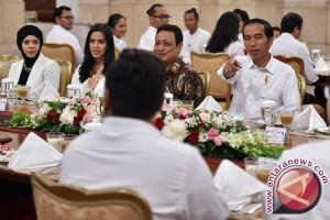 Presiden Jokowi Bahas Konten Bersama Pegiat Medsos