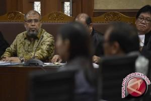 "Pendekatan ke Hakim MK Gunakan Sandi ""Eceran-Grosiran"""