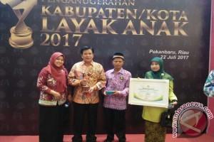 Bangka Tengah Raih Penghargaan Kabupaten Layak Anak Pratama