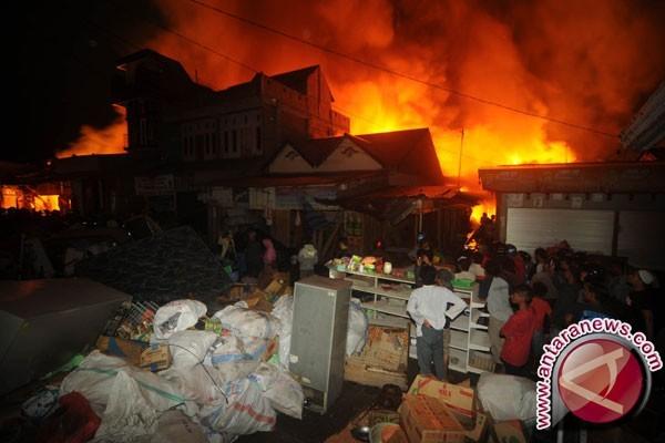 Pasar Kaliwungu Kendal Terbakar