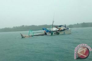 Kapal Penumpang Tenggelam di Perairan Lepar Pongok