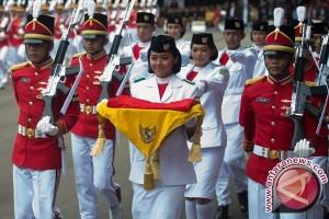 Duplikat Bendera Pusaka Dikirab Dengan Kereta Kencana