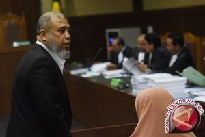 Hakim: RP2 Miliar Untuk Patrialis tak Terbukti