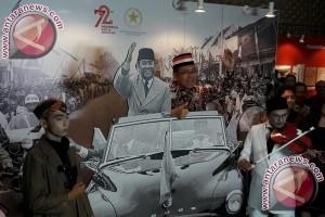 Ratusan Arsip Soekarno Dipamerkan di Kemensetneg
