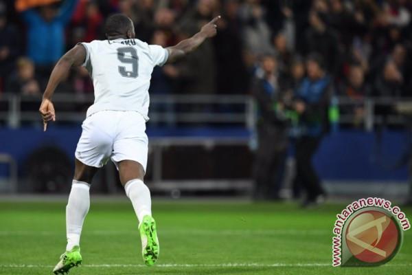 Manchester United menang 3-0 atas Stoke City