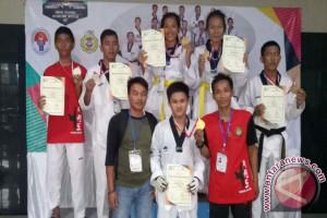 Atlet Taekwondo Bangka Selatan Meraih Empat Medali Emas