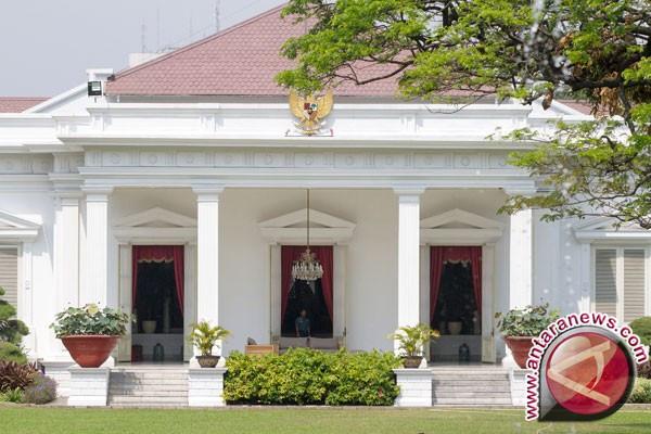 Mengenal Istana Kepresidenan-Jangan Lupa Tersenyum di Istana Negara